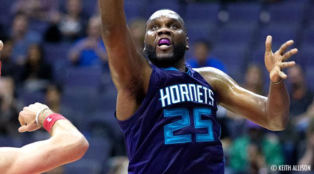 Les Hornets se baladent face aux Sixers, Al Jefferson se régale !