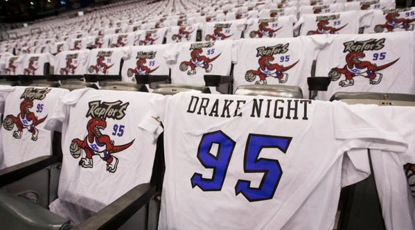 Nouveau job : Quand Drake fait l'intro des Raptors