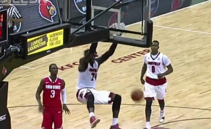 NCAA : Montrezl Harrell cale 3 dunks de bûcheron