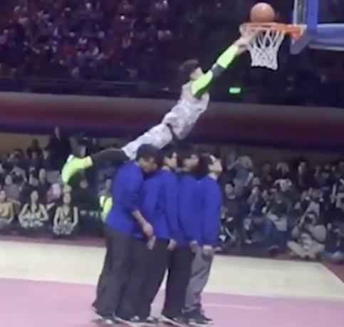 Shaqtin A Fool : Le plus beau dunk raté de l'année au ASG chinois