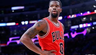Les Bulls sauvés par Aaron Brooks face aux Pelicans…