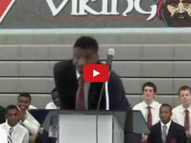 Fail : Quand Carlton Bragg se goure d'université