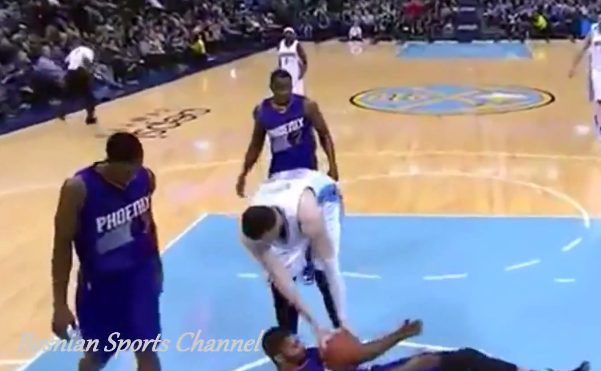 WTF : La faute technique folle de Jusuf Nurkic