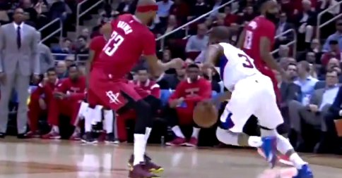 Humiliation : Chris Paul fait valser Corey Brewer