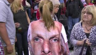 WTF : elle porte un sweat avec le visage de Chris Kaman