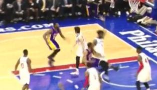 Raté : les Lakers toujours mauvais à la passe