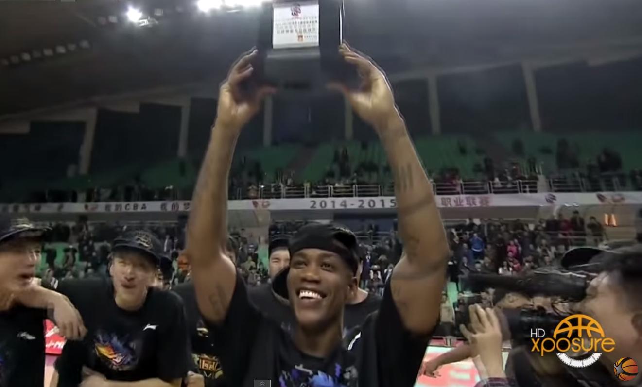 Champion et MVP des Finales, Stephon Marbury kiffe en Chine