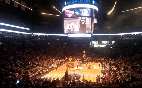 Le Barclays Center se remplit (très) doucement