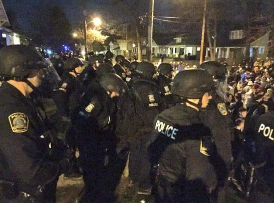 Une trentaine d'arrestations à Kentucky après la défaite des Wildcats