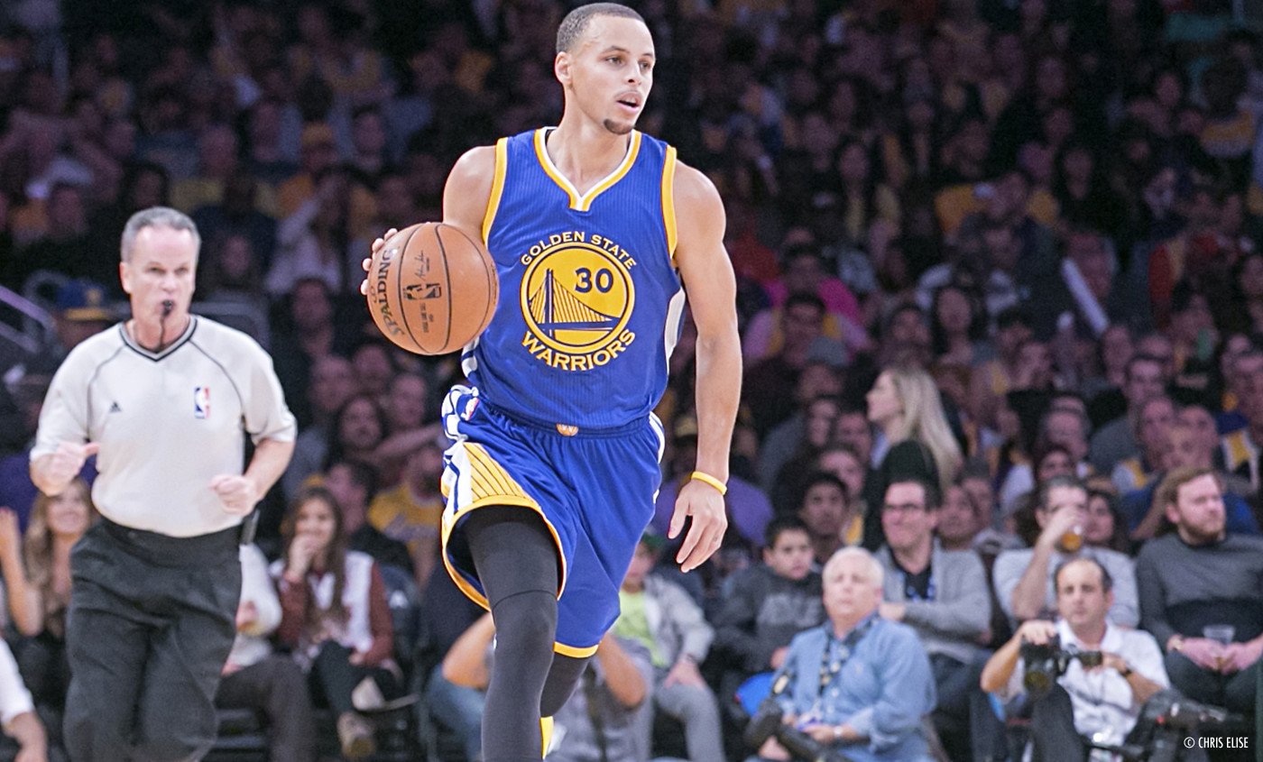 Stephen Curry relance les Warriors