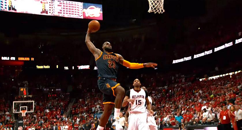 Perf : LeBron James fait plier les Hawks