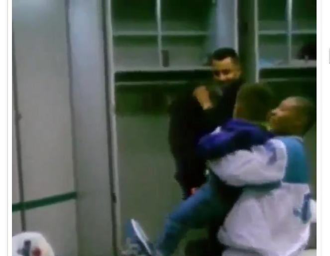Quand Muggsy Bogues faisait voler Stephen Curry dans le vestiaire des Hornets