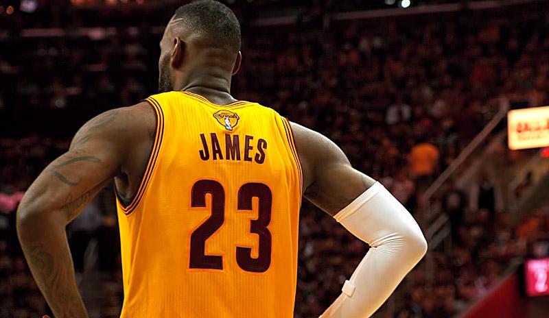"""LeBron James : """"Nous avons manqué de talent"""""""