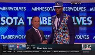 Draft: et le plus beau costume de la soirée est attribué à…