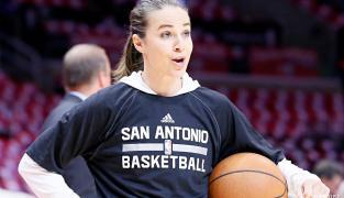 Becky Hammon, première femme à devenir coach NBA ?