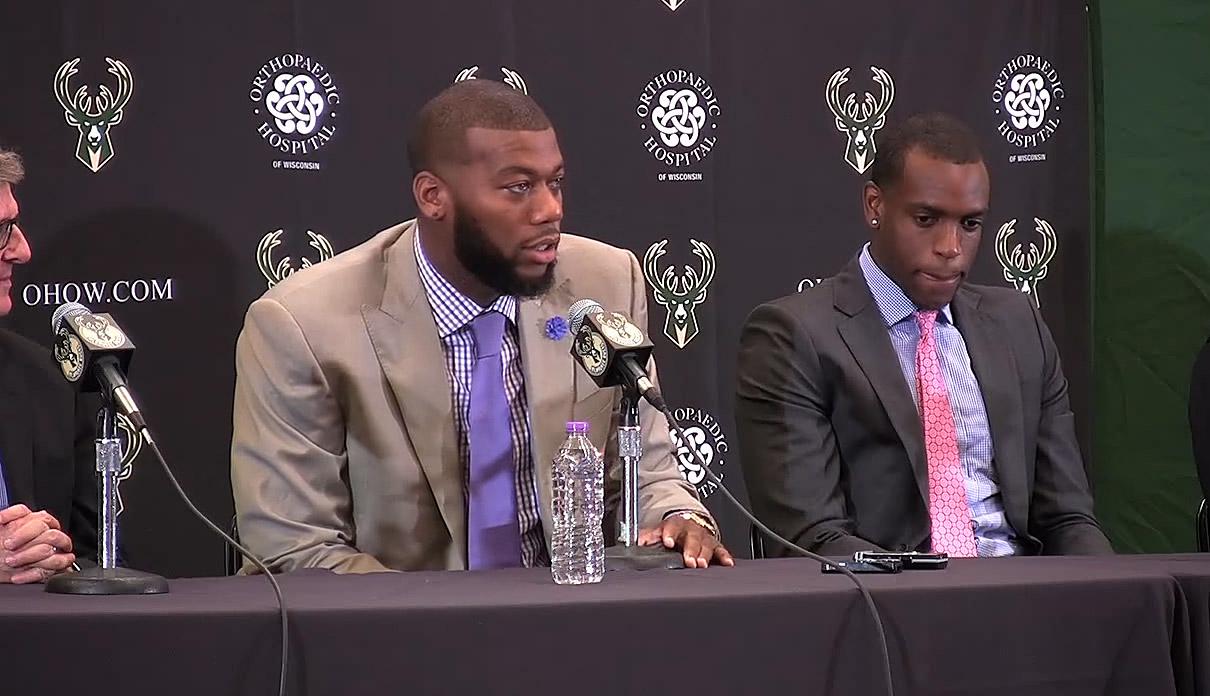 Les Bucks et les Pelicans en discussion concernant Greg Monroe