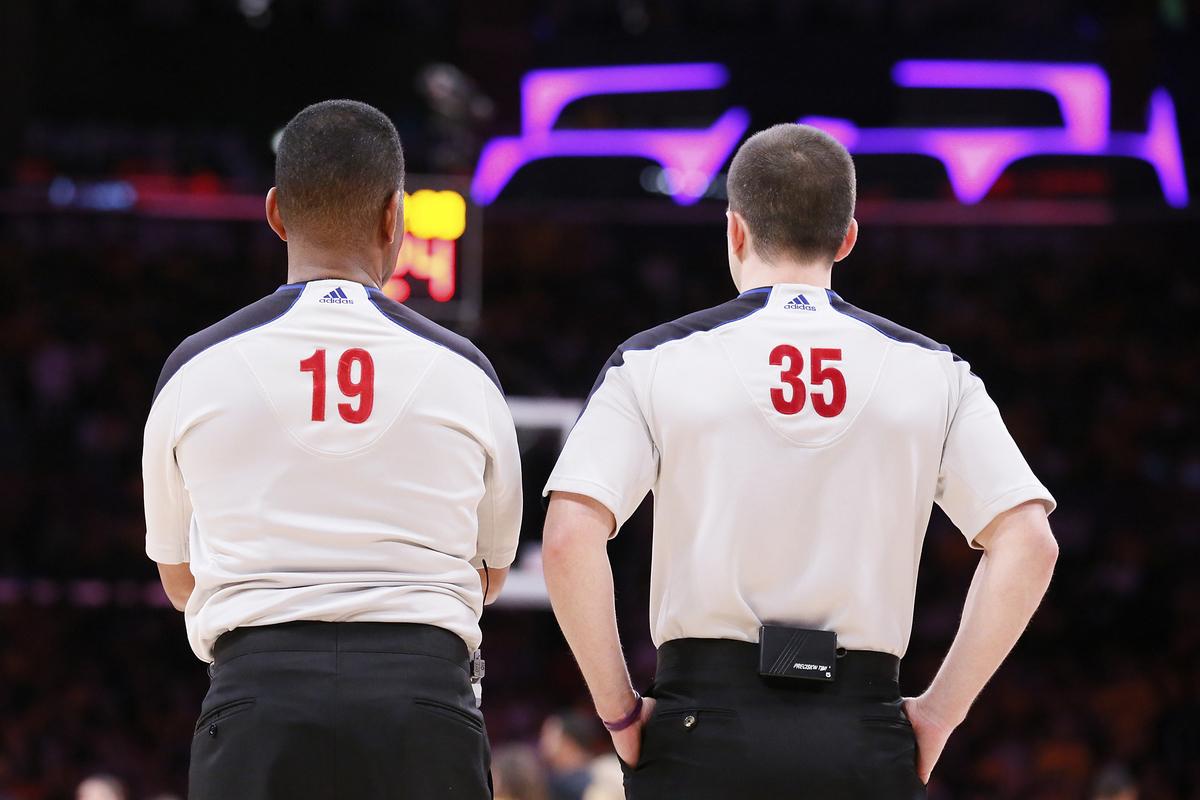 Accord trouvé entre la NBA et le syndicat des arbitres
