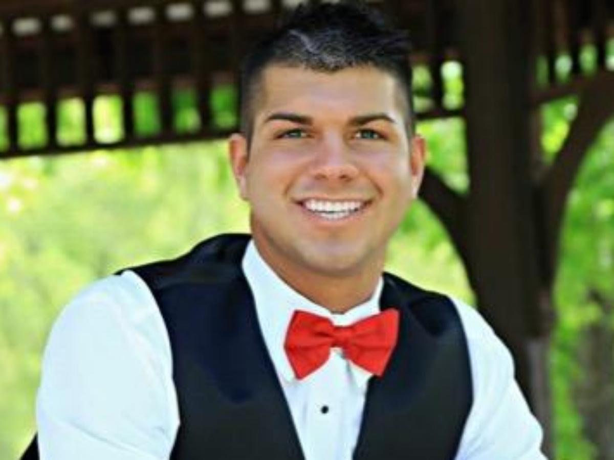Dalton Maldonado, meneur de jeu gay et lâché par son lycée