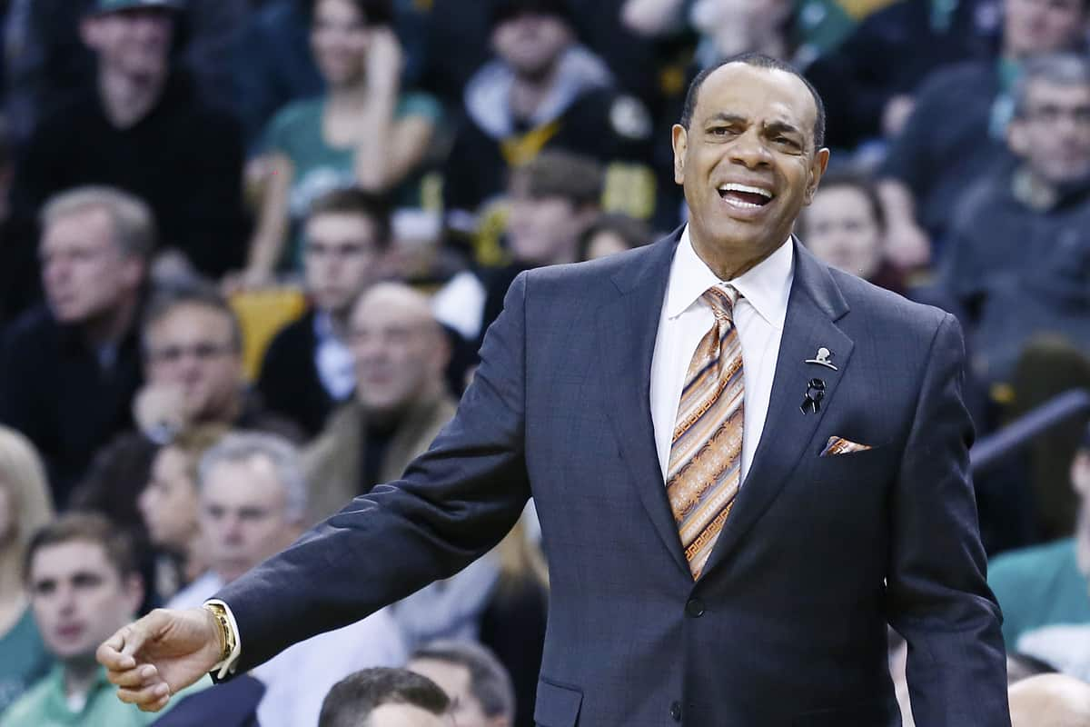 Les Nets virent Lionel Hollins et rétrogradent Billy King !