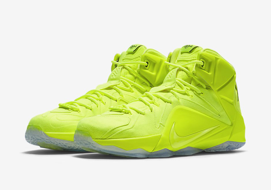 Official-Images-of-The-Nike-LeBron-12-EXT-Tennis-Ball-1 (640x449)