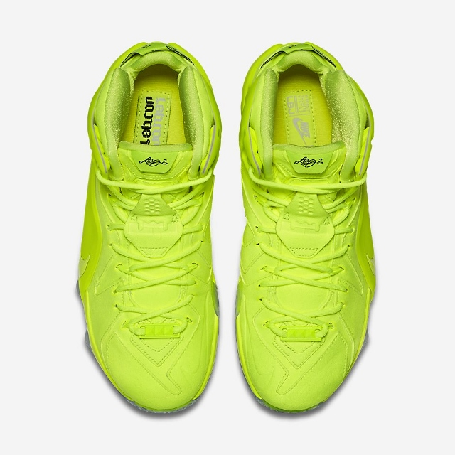 Official-Images-of-The-Nike-LeBron-12-EXT-Tennis-Ball-4 (640x640)