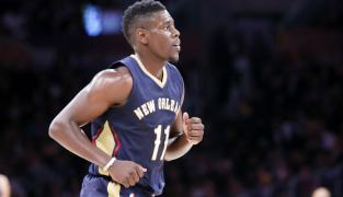 La fin de match rocambolesque et le game winner de Jrue Holiday