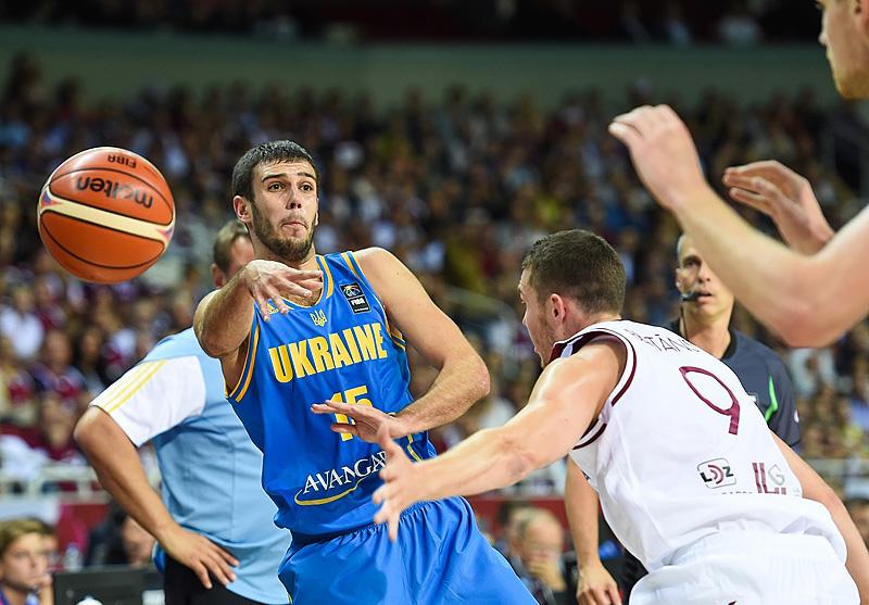 L'Ukraine relance le suspense dans le groupe D