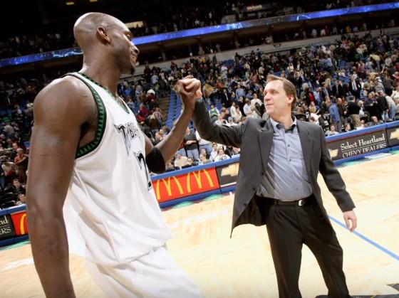 La NBA rend hommage à Flip Saunders