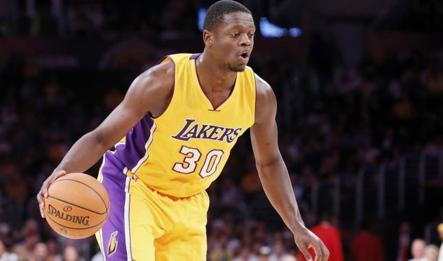 Trois jeunes semi-prometteurs des Lakers disponibles