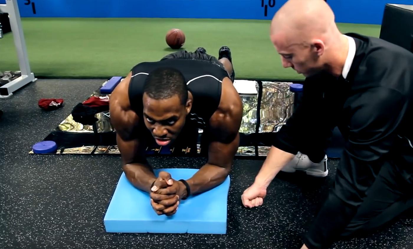 [Training] 5 exercices pour avoir des abdos en béton