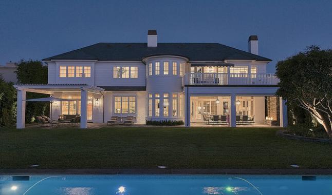 la nouvelle maison 20 millions de lebron james los angeles le meilleur. Black Bedroom Furniture Sets. Home Design Ideas