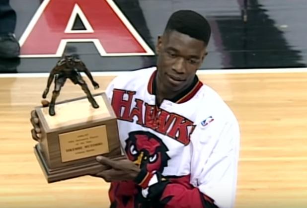 Mix : Le meilleur de Dikembe Mutombo avec les Hawks
