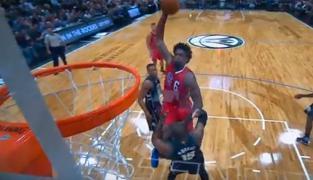 Les plus gros dunks en carrière de DeAndre Jordan