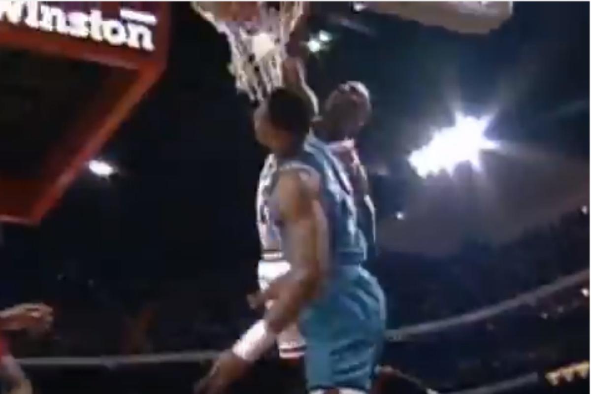 Mix : les plus beaux dunks des stars NBA