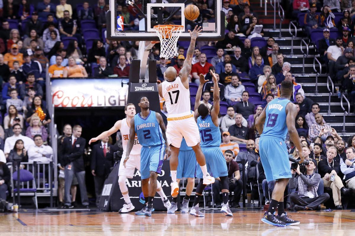 Les Suns s'imposent enfin après 9 défaites de suite