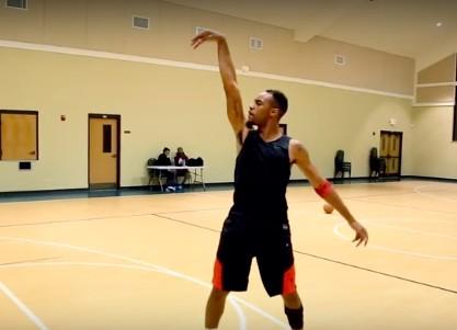 Génial : Brandon Armstrong s'attaque à Michael Jordan !