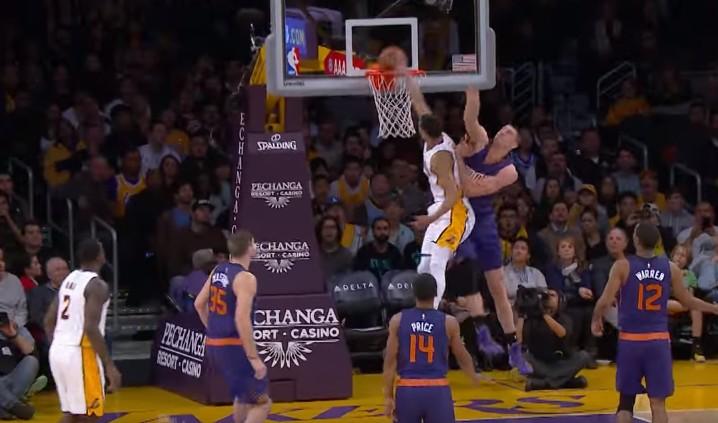 Top 10 : Passe de génie, dunk monstrueux, Jordan Clarkson a fait le show !