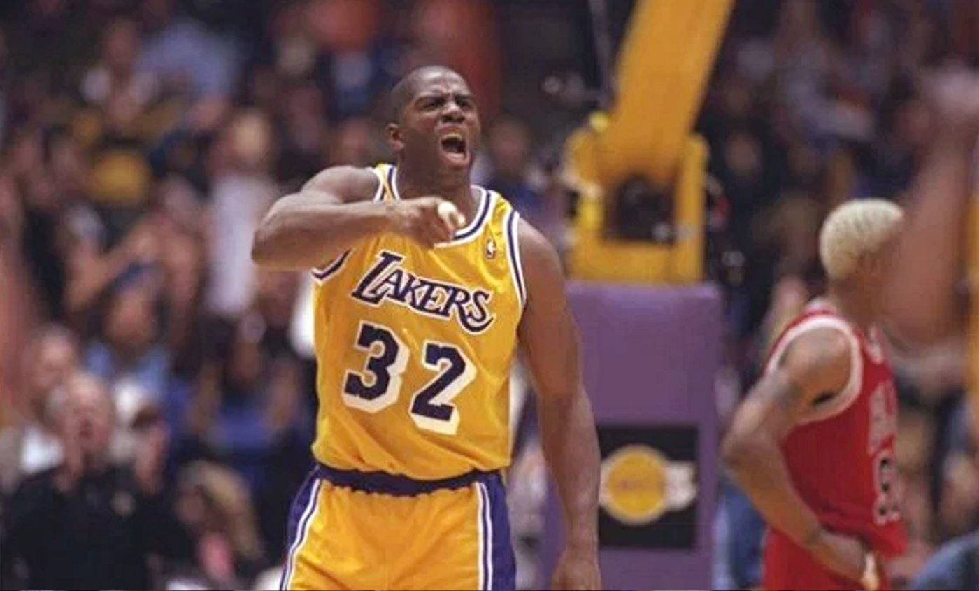 Lakers : un maillot vintage en hommage à la génération Magic Johnson