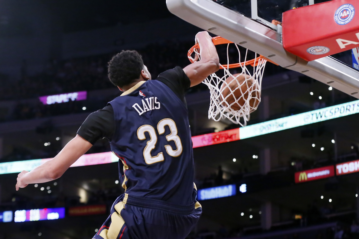 Anthony Davis en double-double contre Phoenix