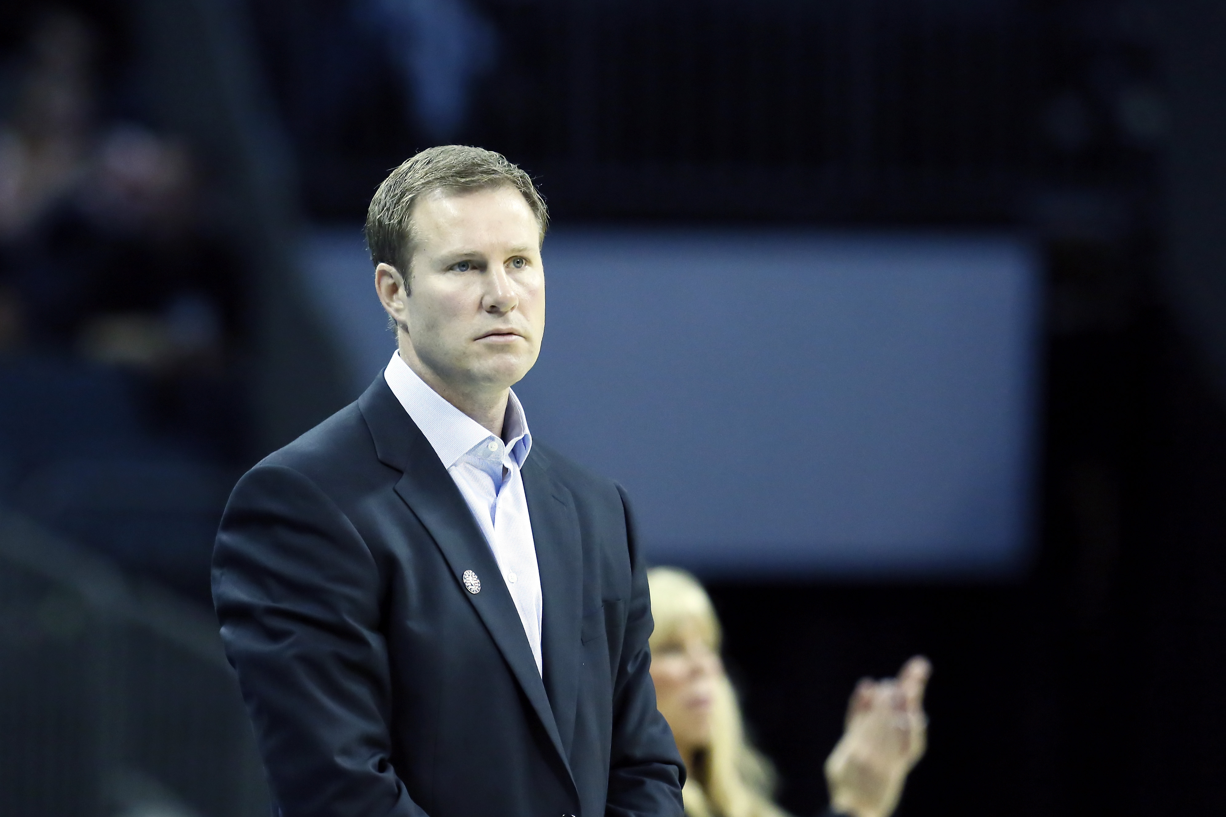 Un journaliste pose une question sur Isaiah Thomas, Fred Hoiberg se barre