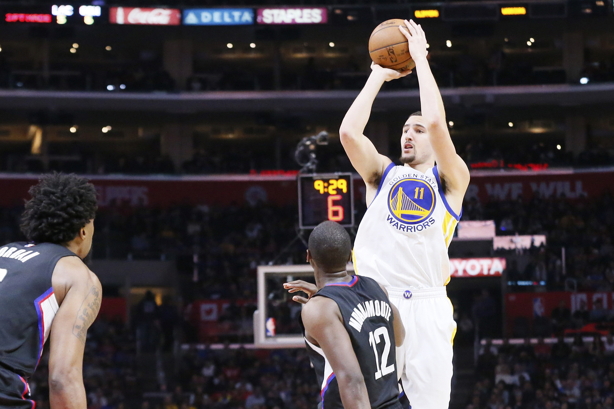 Klay Thompson échangé ? Le GM des Warriors rit jaune...