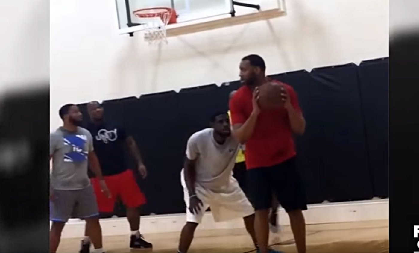 Tracy McGrady a toujours ses moves !