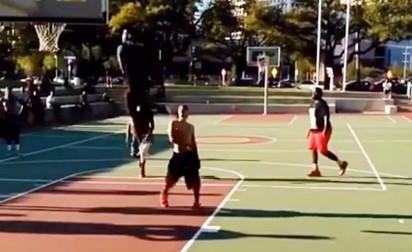 Le dunk le plus fou que vous verrez aujourd'hui !