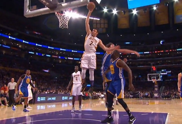Replay : Larry Nance Jr s'envole au tomar