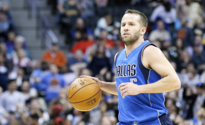 J.J. Barea remet les Mavericks dans la course aux playoffs