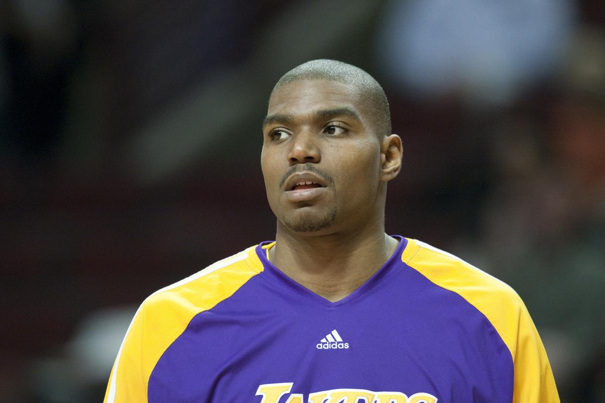 Retour sur un transfert qui a plombé les Sixers, le Magic et les Lakers