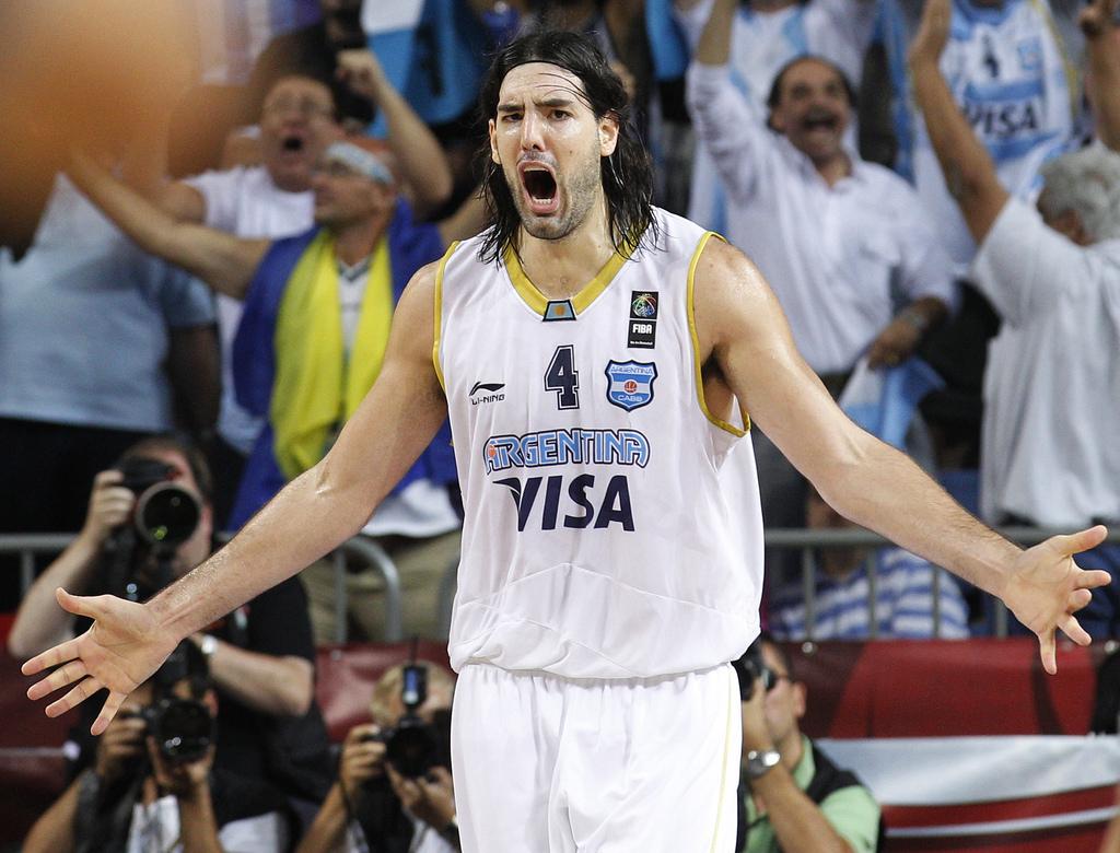 Luis Scola comme porte-drapeau de l'Argentine aux Jeux Olympiques