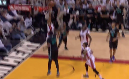 Block : Hassan Whiteside gifle Al Jefferson