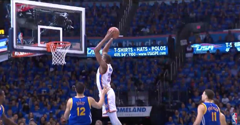 Top 5 : Durant colossal à deux mains, Curry décisif