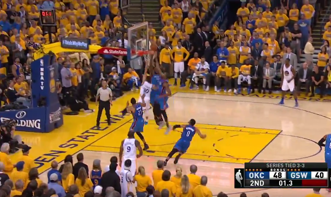 Top 5 : Stephen Curry transperce KD et Ibaka au buzzer